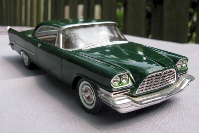 Amt 1957 Chrysler 300 Pre Painted